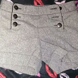 High waisted gray sailor-style short-shorts